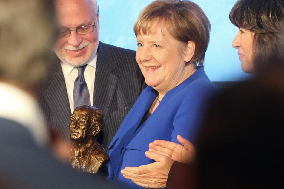 Merkel und Steinmeier da: Politiker erinnern an Weimarer Verfassung
