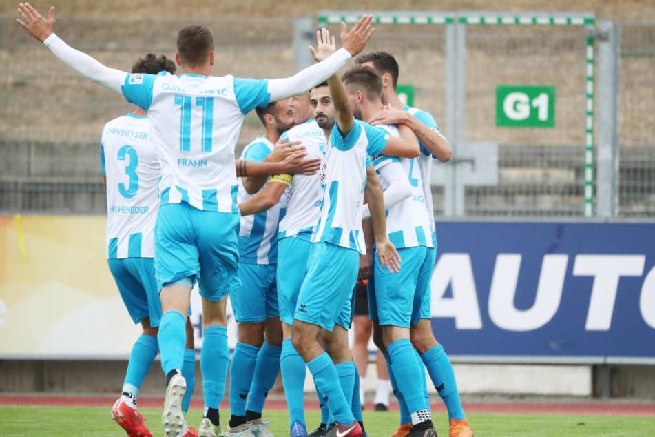 Torjubel im Friedensstadion: Gegen den VfB Germania Halberstadt siegte der CFC mit 4:2.