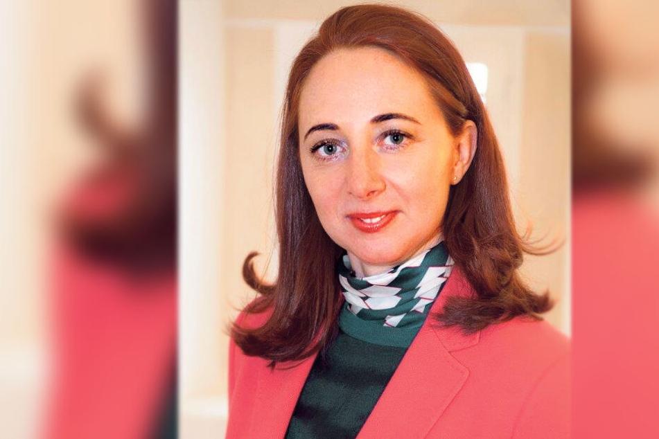 Schloss-Geschäftsführerin Patrizia Meyn (46) distanziert sich von dem Auftritt des Hitler-Imitators.