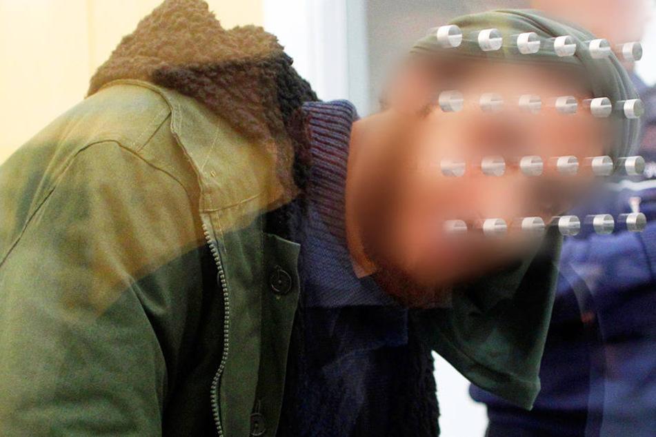 Tarik S. muss sich seit Dezember vorm Oberlandesgericht in Düsseldorf für seine Taten als IS-Anhänger verantworten.