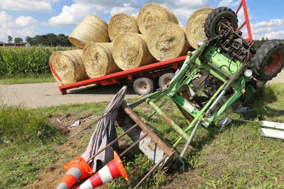 Traktor kippt um, zwei Kinder verletzt! Rettungsheli im Einsatz