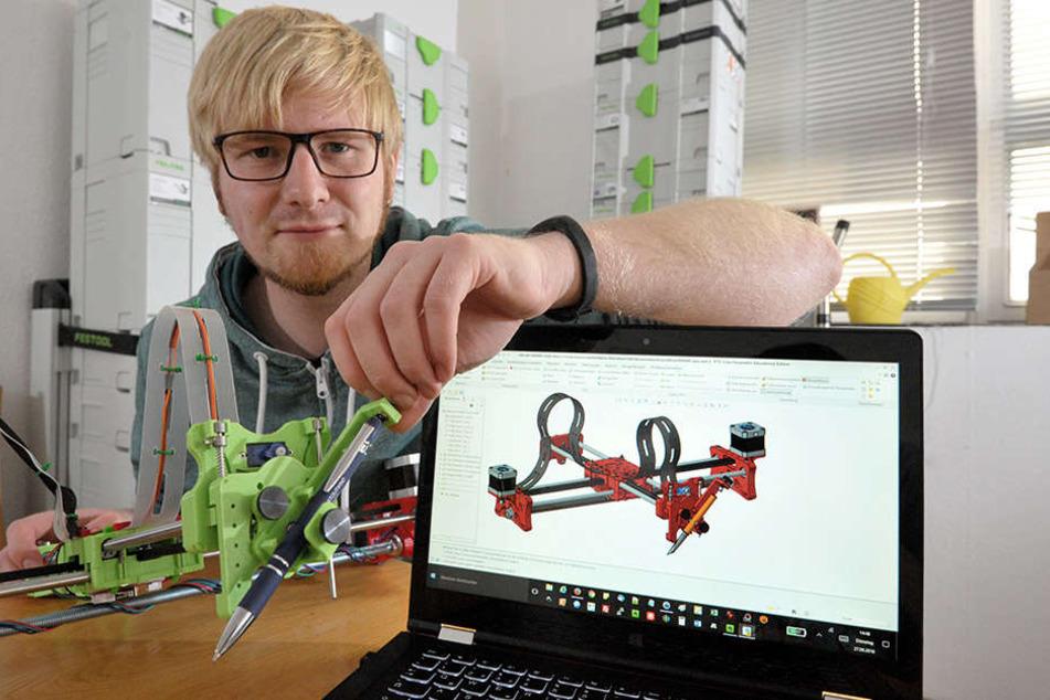 Vom Laptop auf den Schreibtisch: Im Fab-Lab-Labor, in dem auch Mario Voigt (26) arbeitet,werden 3-D-Ideen Wirklichkeit.