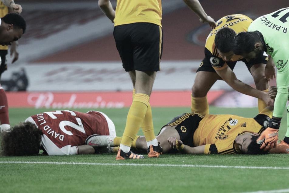 Premier League unter Schock: Raúl Jiménez mit schwerer Kopfverletzung nach Zusammenprall!