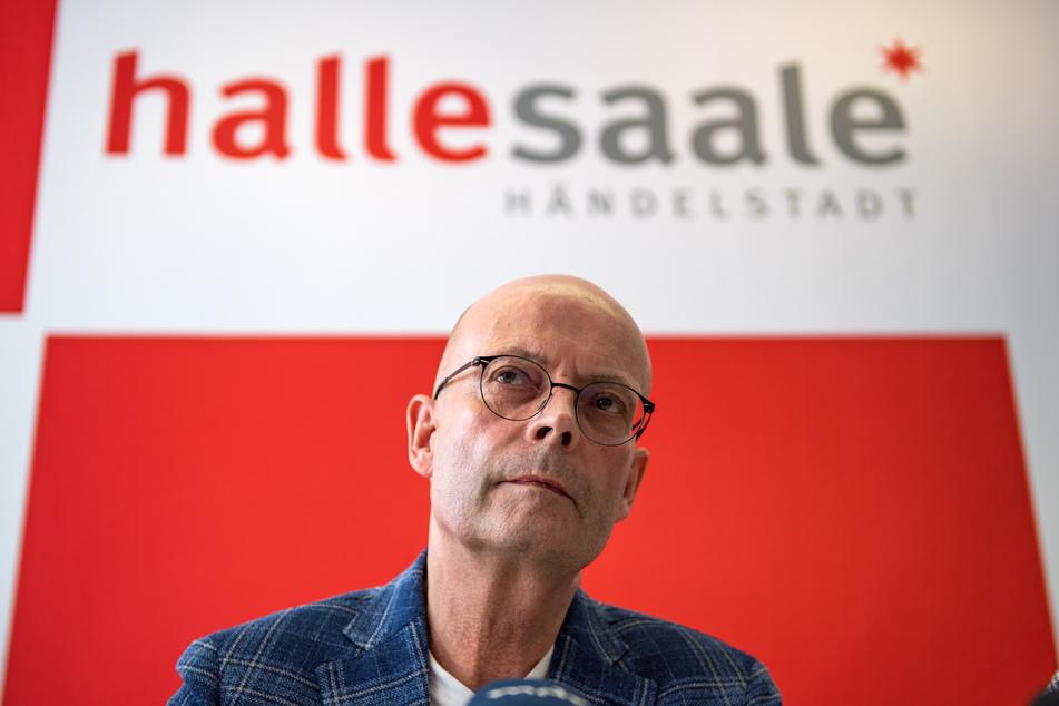 Halles Oberbürgermeister Bernd Wiegand (63, parteilos) erhielt die Corona-Impfung zu früh.
