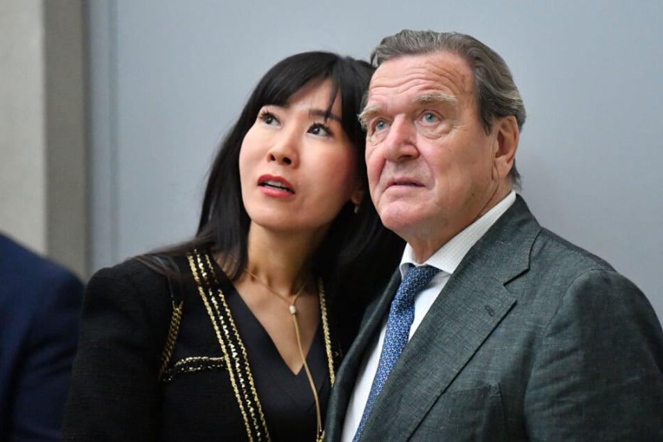 Tabu-Thema Ex-Mann: Altbundeskanzler Gerhard Schröder und seine Frau Soyeon Kim wollen nicht darüber reden. (Archivbild)