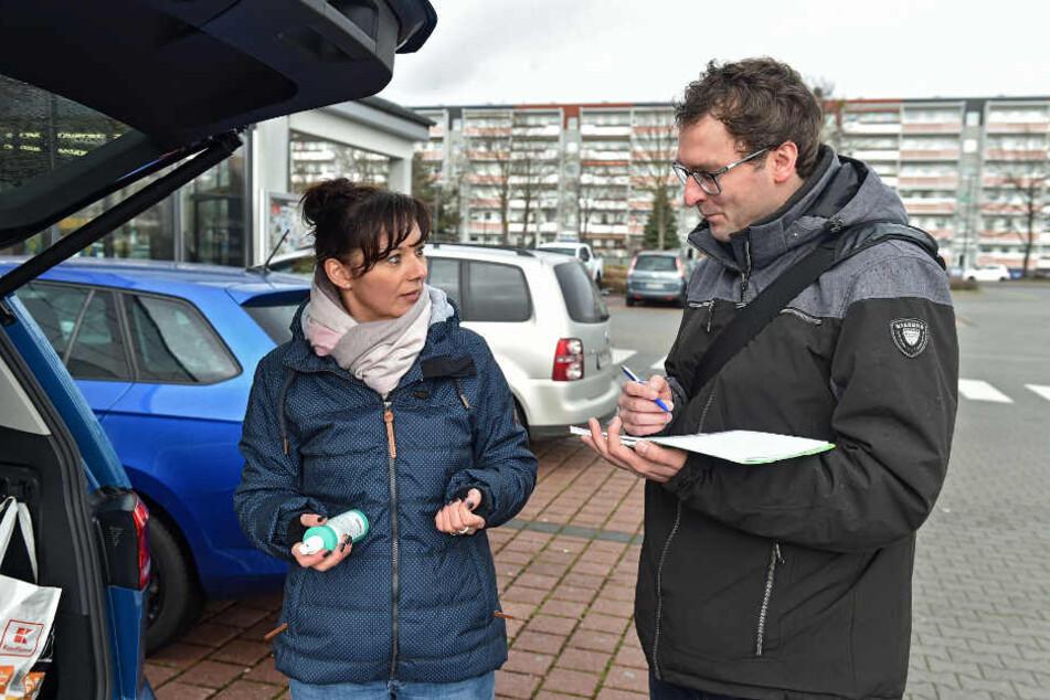 Auch Katja S. (43) kaufte mehr als gewöhnlich ein. Die Dresdnerin zeigte TAG24-Reporter Hermann Tydecks (36) ihr Desinfektionsspray, das sie jetzt stets dabei hat.