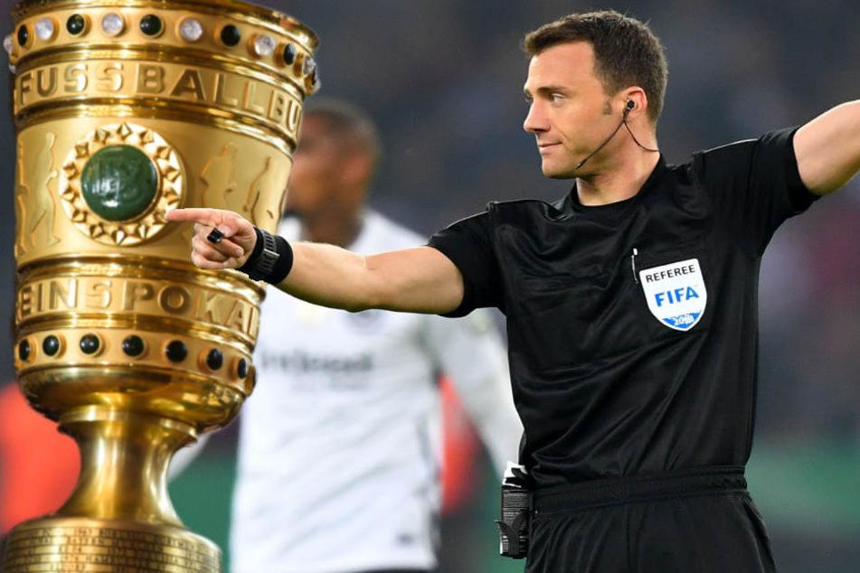 Felix Zwayer entschied sich in der Nachspielzeit gegen einen Elfmeter für Bayern.