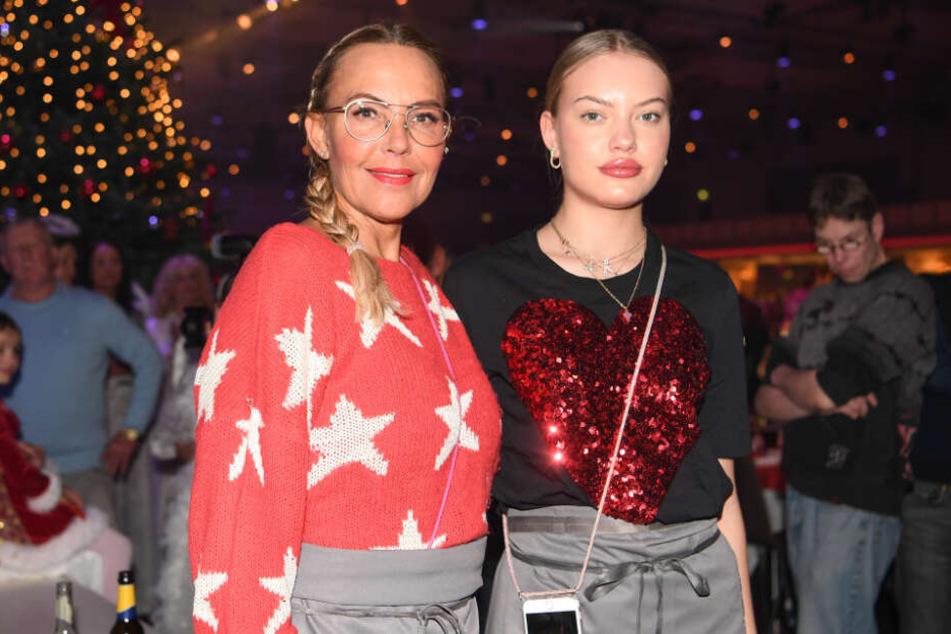 Sind in puncto Umzug einer Meinung: Natascha Ochsenknecht (l.) und Tochter Cheyenne Savannah (r.).