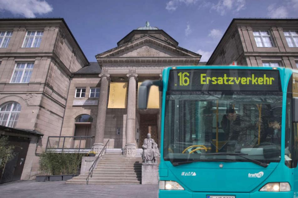 In Bussen und Bahnen können Fahrgäste Gutscheine für Museen ergattern. (Fotomontage)