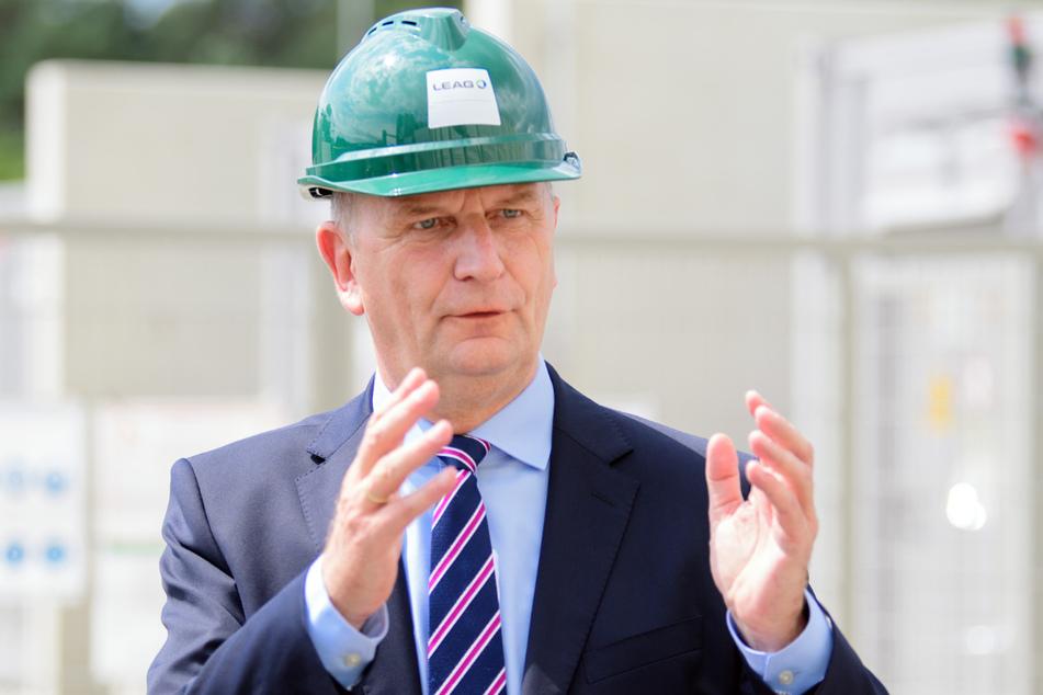 Brandenburgs Ministerpräsident Dietmar Woidke (SPD) kann sich in seinem Bundesland wohl über einen Sieg der SPD freuen.