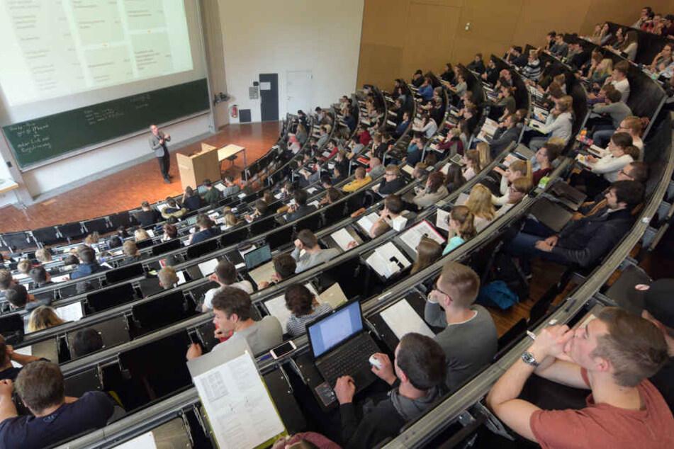 Immer mehr das Normalbild: Studenten ohne Abitur im Hörsaal. (Symbolbild)