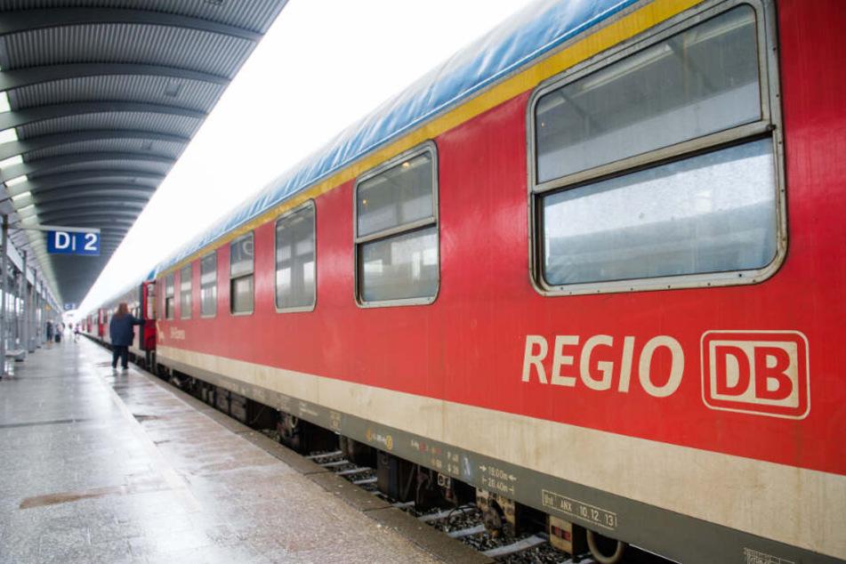 Der Anschlag wurde auf den Regionalzug nach Sylt verübt. (Symbolbild)