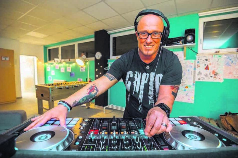 Frank Dehnert (46) bietet DJ-Workshops für Kinder an.