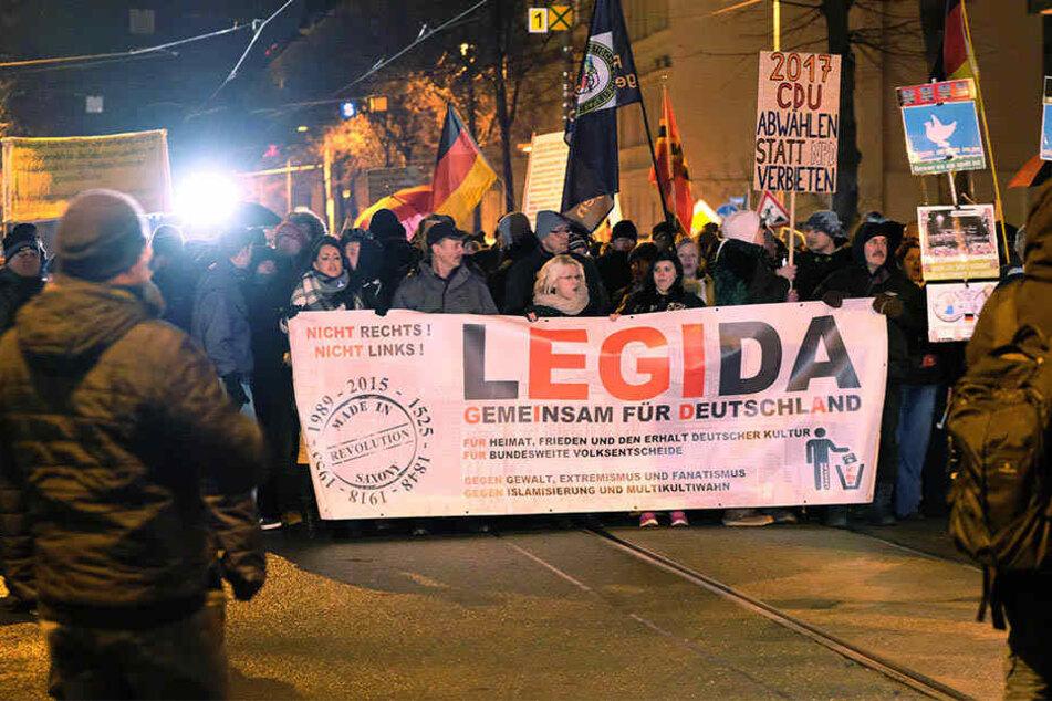 """Das fremdenfeindliche Bündnis LEGIDA will am 21. September wieder durch Leipzig """"spazieren""""."""