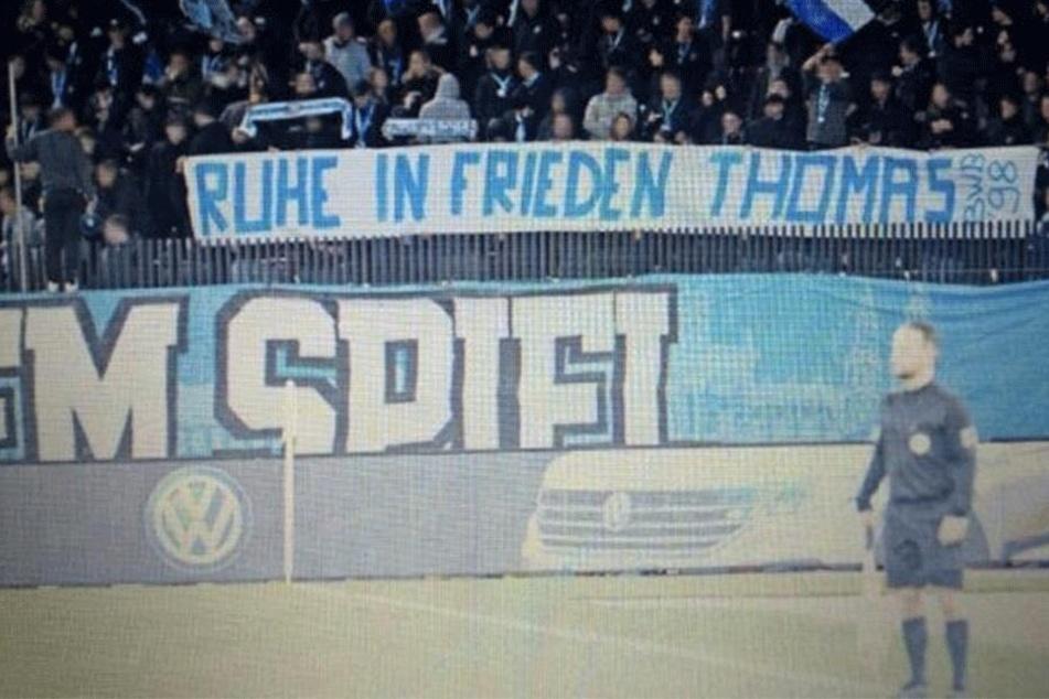 ...sondern auch im Stadion der Grashoppers Zürich tauchten diese Woche Gedenk-Spruchbänder auf.