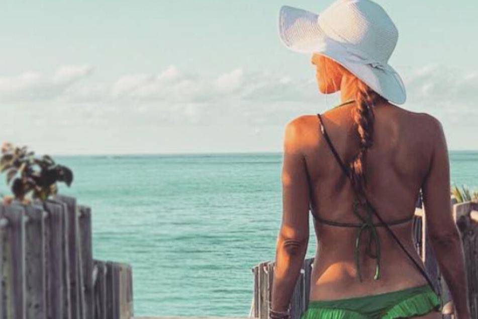 Hallöchen Popöchen! Annemarie Carpendale posiert im knappen Bikini-Höschen