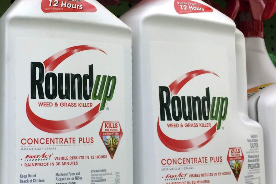 Das Spritzmittel Roundup gilt als krebsverdächtig, Bayer weist den Vorwurf zurück.