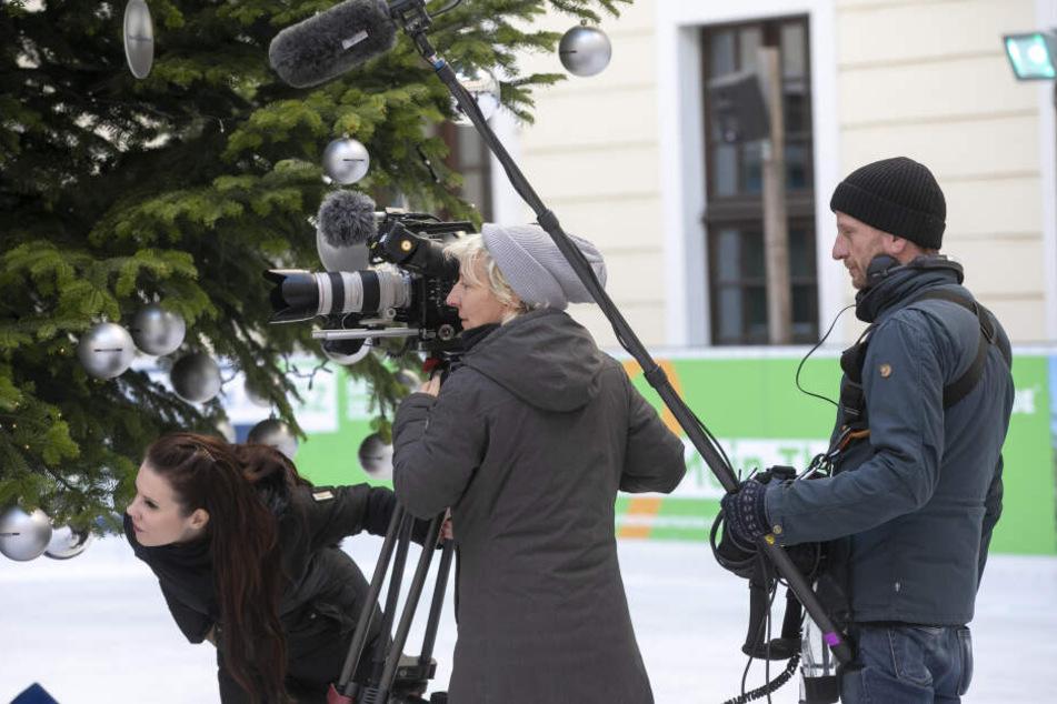 Auch ein Kamerateam begleitete Stehfest nach Dresden. Die Bilder gibt's dann in der Show zu sehen.