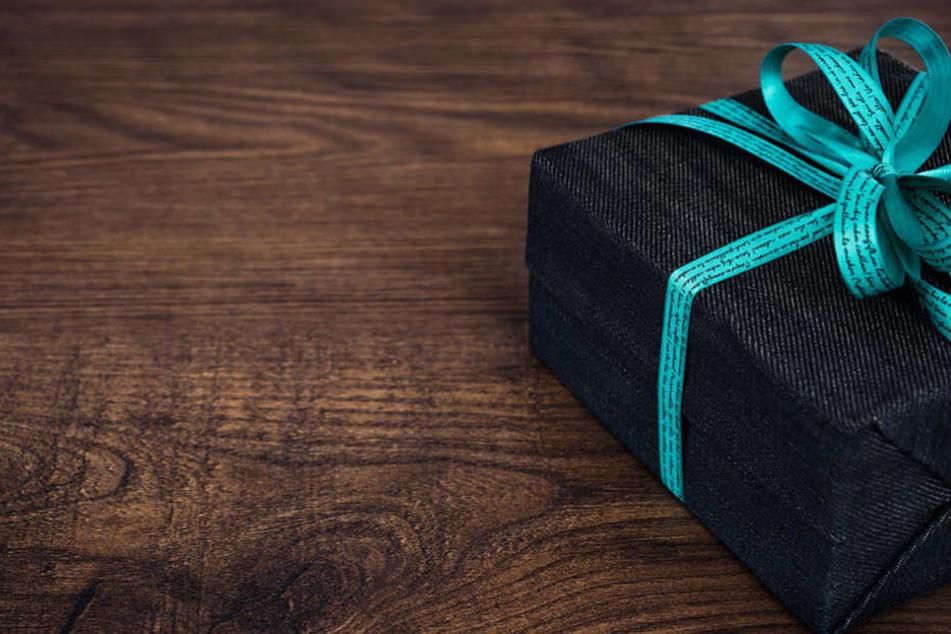 Kleine Geschenke lassen ein Unternehmen oftmals als attraktiverscheinen.