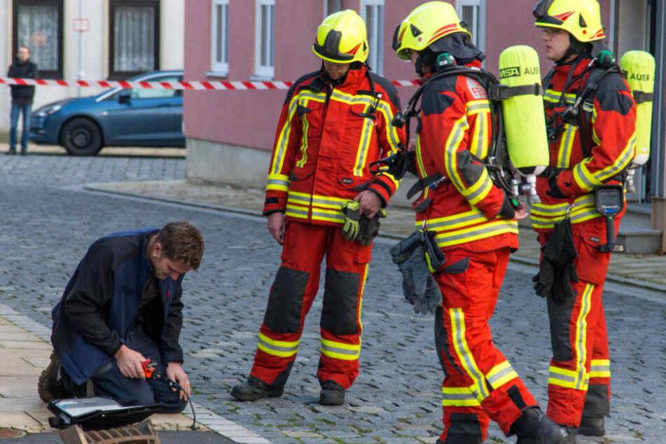 Solange die genauen Ursachen des Brandes nicht bekannt sind, dürfen die Bewohner ihre Wohnungen aus Sicherheitsgründen nicht betreten.
