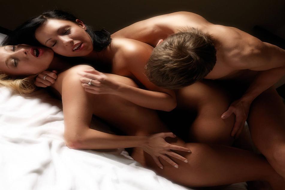 57 Prozent der Männer träumen von Sex mit mehreren Frauen.