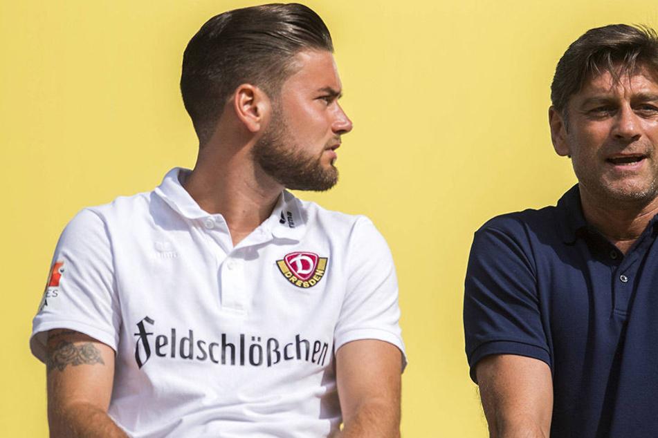 Niklas (l.) und Oliver Kreuzer auf der Tribüne im  DDV-Stadion.