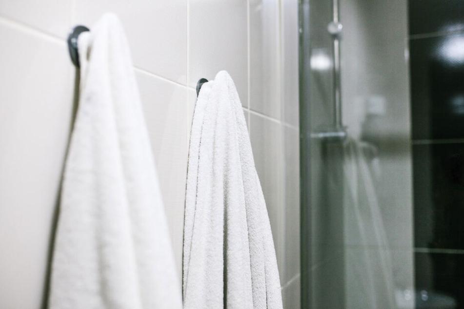 Ohne Hintergedanken nutzte eine Frau im Bad ihrer Schwiegereltern ein Handtuch, bis sie über die eigentliche Benutzung aufgeklärt wurde. (Symbolbild)