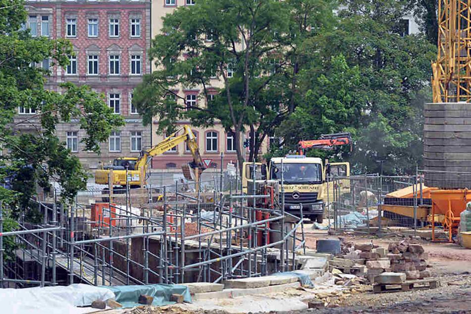 Anfang dicht: An der Kaßbergauffahrt wird noch bis Ende Okober gebaut.