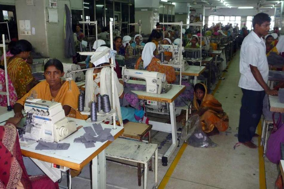 Die Stadt Paderborn engagiert sich gegen die Ausbeutung von Arbeitnehmern in der Textilbranche.