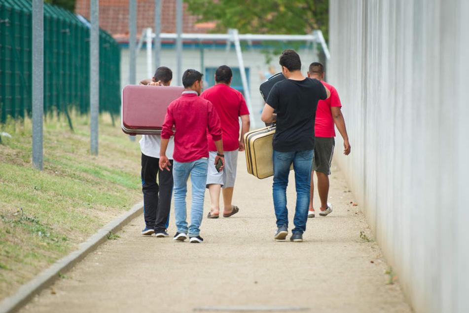 Durch die Selbstanzeige erhoffen sich Flüchtlinge subsidiären Schutz um in Deutschland bleiben zu dürfen (Symbolbild).