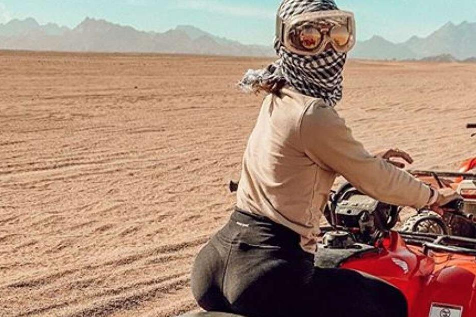Erkennt ihr sie? Promi-Sängerin heizt der Wüste ein!