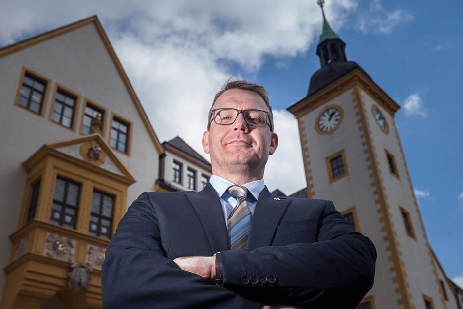 Oberbürgermeister Sven Krüger (45) will das Gebäude für die Stadt kaufen und sanieren.