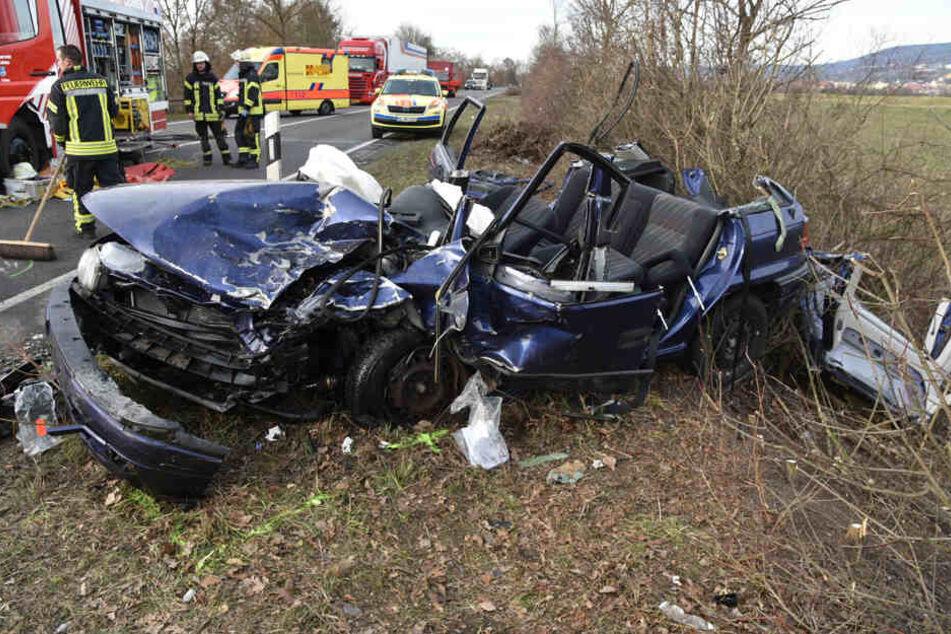 Der Opel wurde komplett zerstört.