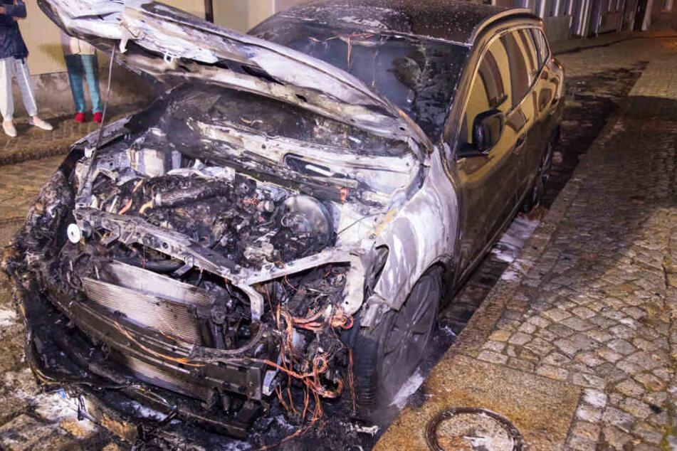 Der Renault war erst drei Wochen alt.