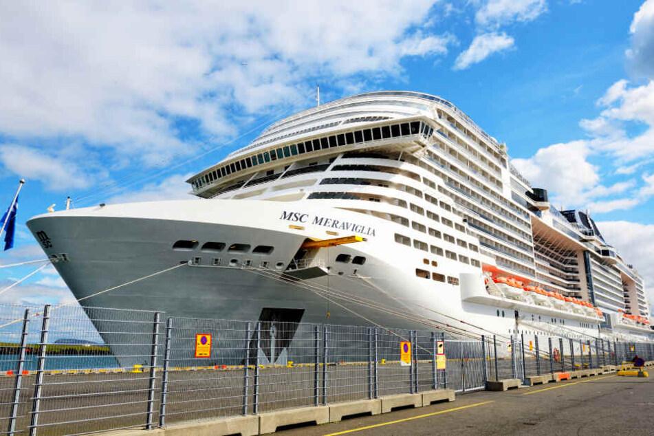 Das Kreuzfahrtschiff MSC Meraviglia liegt in Reykjavic (Island) an. (Symbolbild)