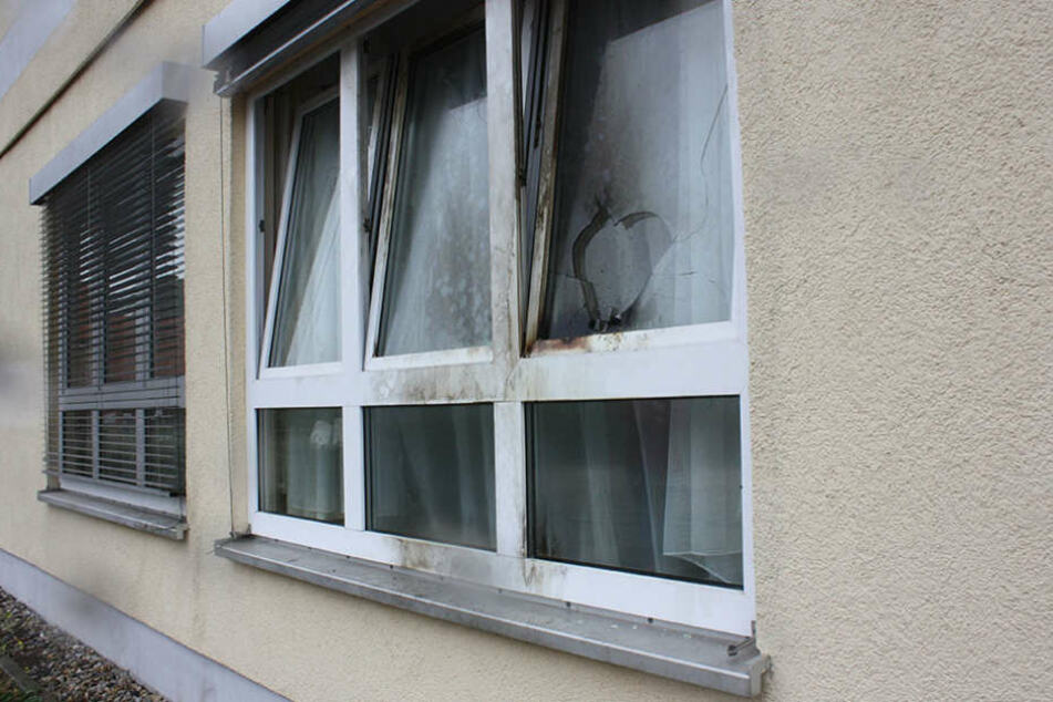 Im Oktober 2016 versuchte der 21-Jährige mit Molotowcocktails das Flüchtlingsheim anzuzünden.