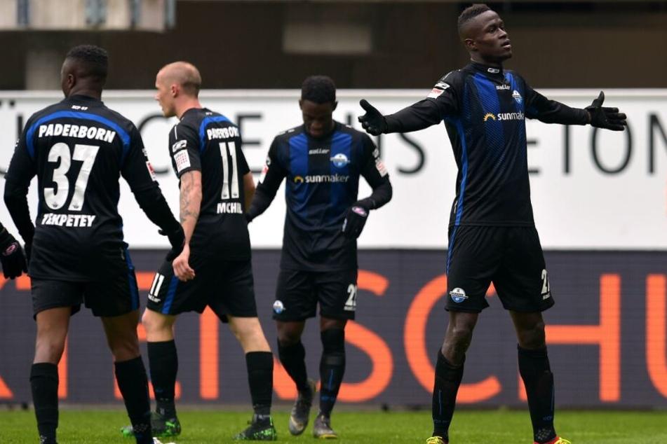 Auch Paderborn Christopher Antwi-Adjei (rechts) ist überzeugt vom Potenzial seiner Mannschaft.