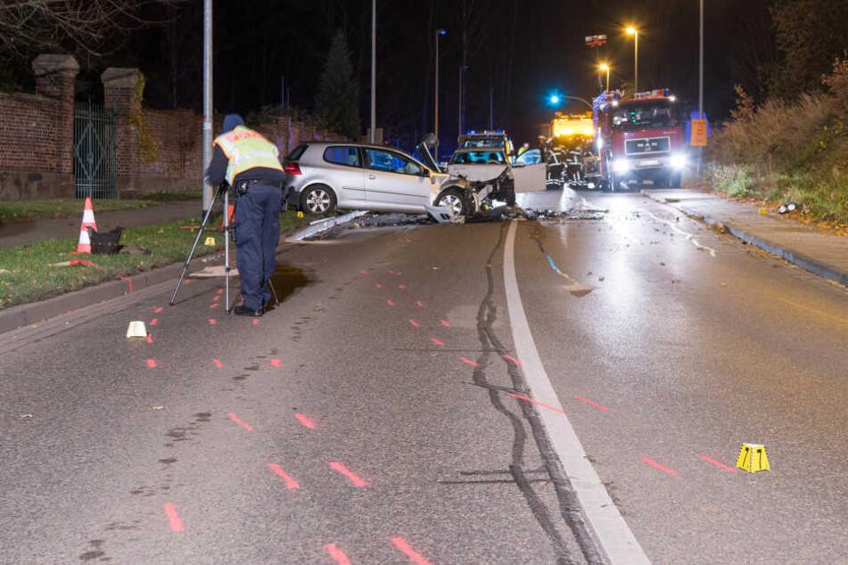 Der Wagen des Suff-Fahrers kam auf die linke Fahrspur, dort passierte der Unfall.