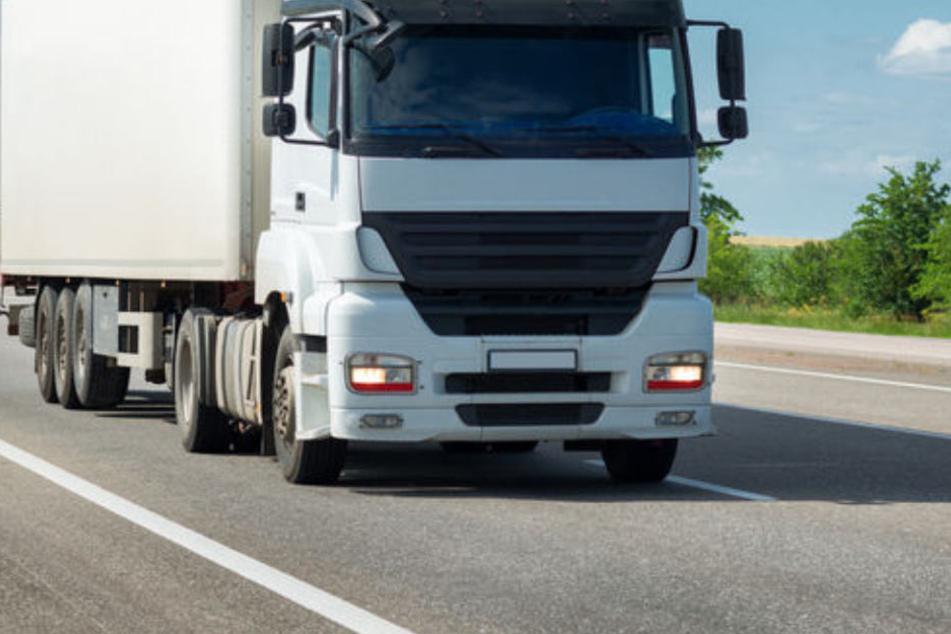 Im Main-Taunus-Kreis ist ein Lkw-Fahrer völlig ausgerastet. (Symbolbild)