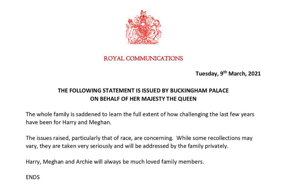 Das vom Buckingham Palace zur Verfügung gestellt Foto zeigt eine Erklärung, die im Namen der britischen Königin herausgegeben wurde. Die Erklärung ist der erste Kommentar des Palastes nach dem zweistündigen Interview.