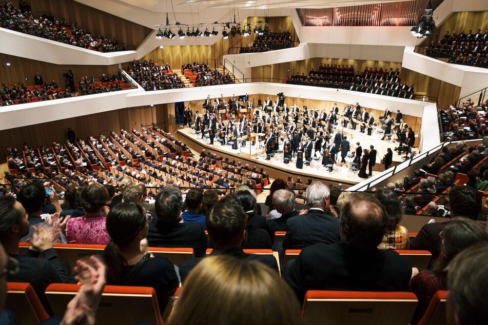 Der Dresdner Kulturpalast wird ab heute voraussichtlich alle Veranstaltungen im Konzertsaal absagen.