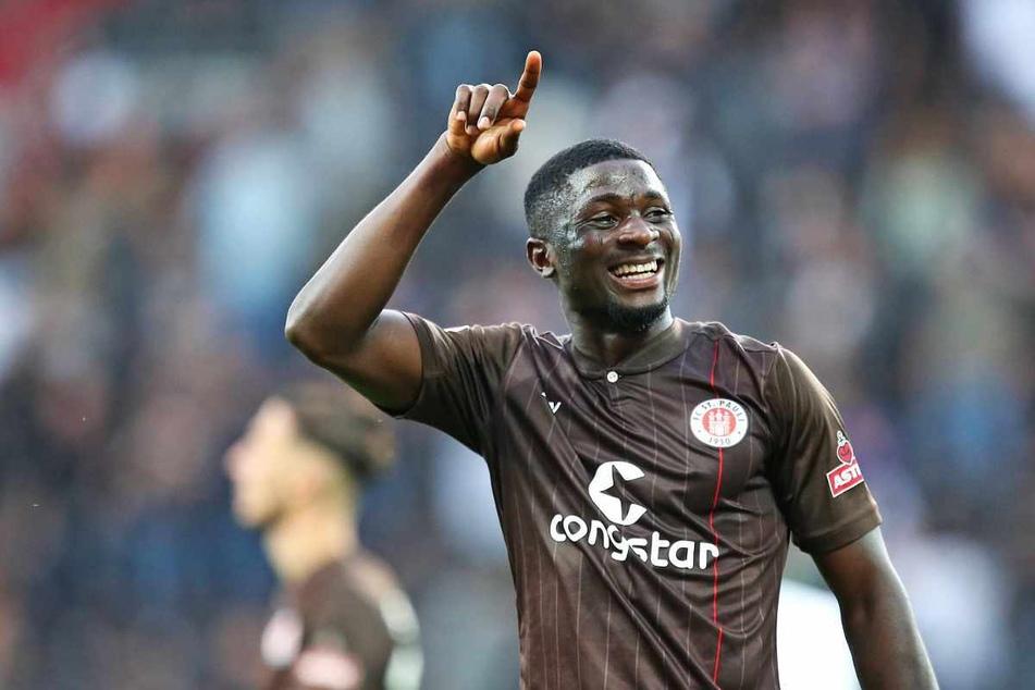 Afeez Aremu (21) kommt beim FC St. Pauli seit dieser Saison immer besser in Fahrt.