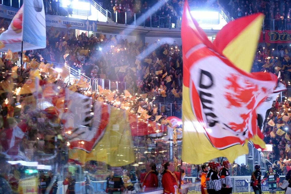 Per Funkwellensender wurden während des Ballon-Fluges in die Stratosphäre Eishockey-Botschaften samt Erklärungen zur Sportart und zur DEG ins All abgesetzt.
