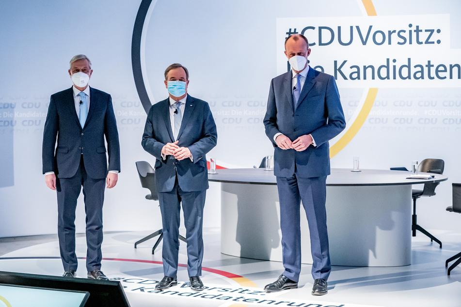 Die drei Kandidaten für den CDU-Parteivorsitz Norbert Röttgen (55, v.l.n.r.), Armin Laschet (60) und Friedrich Merz (65) vor ihren Reden im Konrad-Adenauer-Haus im Januar.
