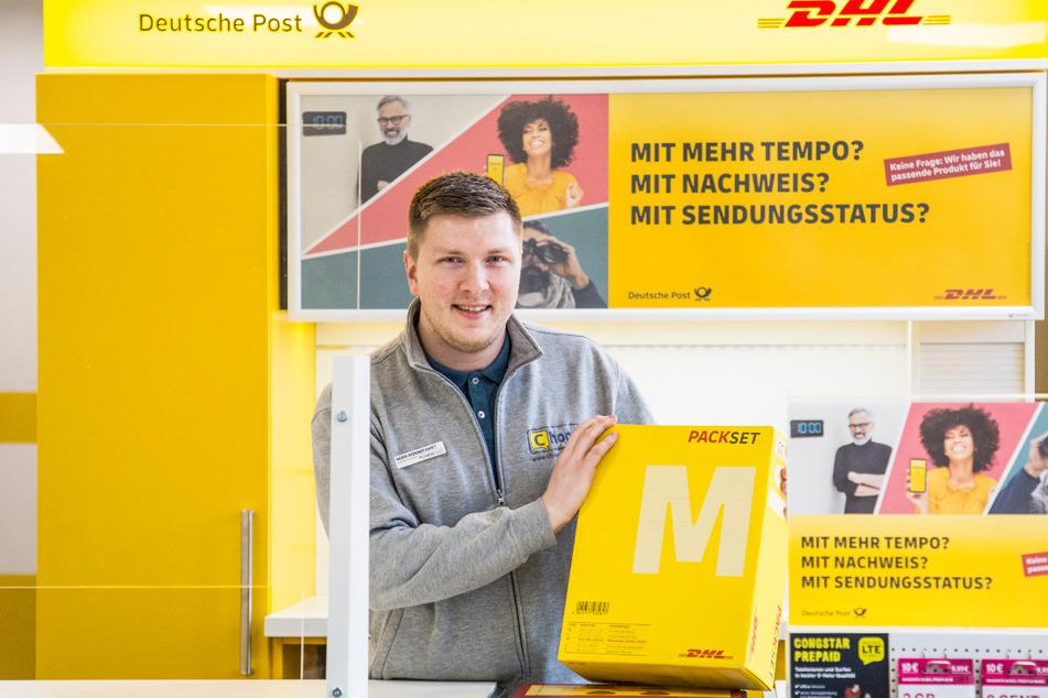 Von der Schlagerbühne hinter den Schalter: Bald eröffnet Jonny Rönnefahrt (25) seine eigene Postfiliale.