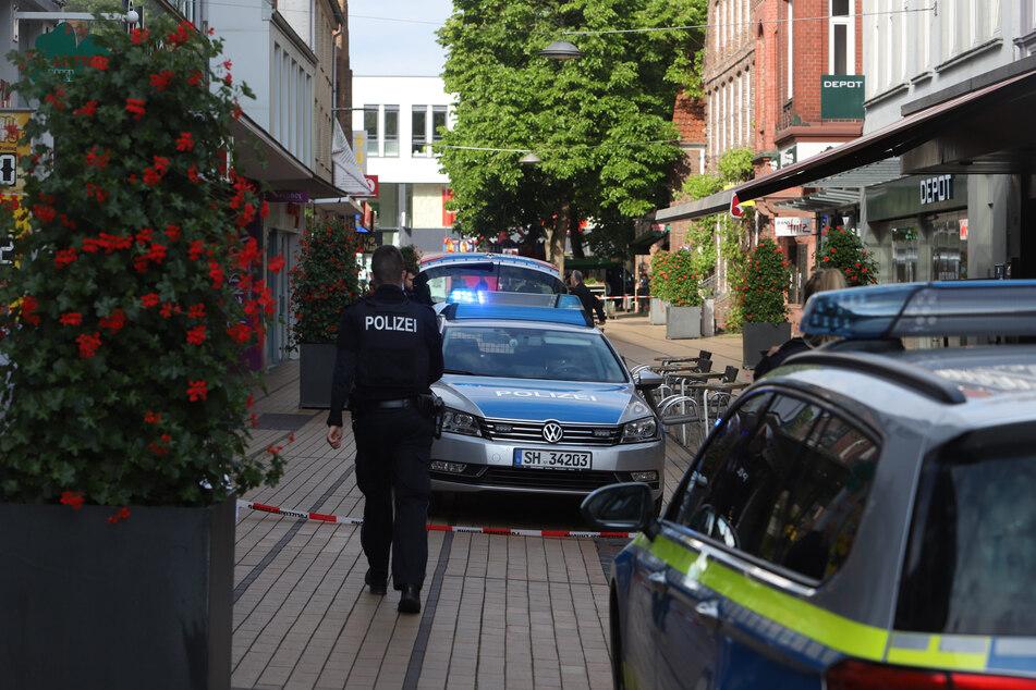 Die Polizei sperrte den Bereich um das Café weiträumig ab.