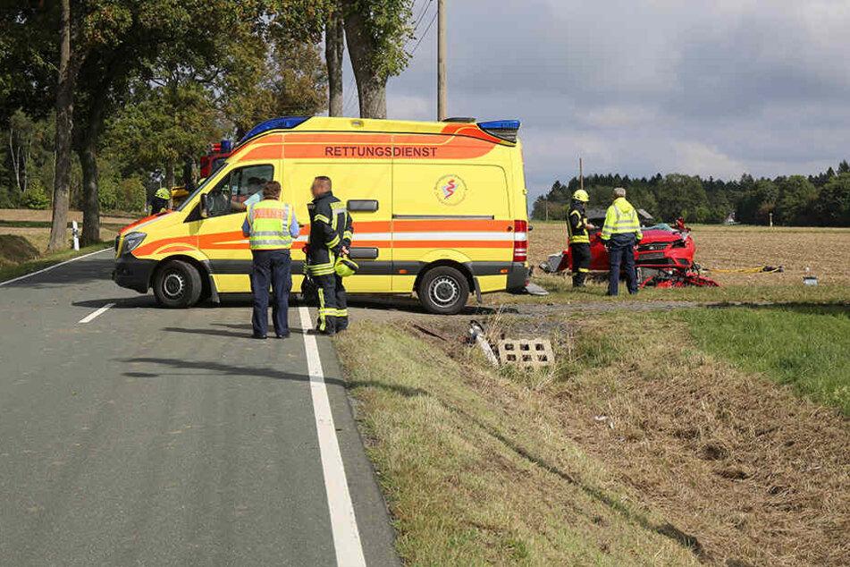 Für die Fahrerin kam jede Hilfe zu spät, sie verstarb noch an der Unfallstelle.
