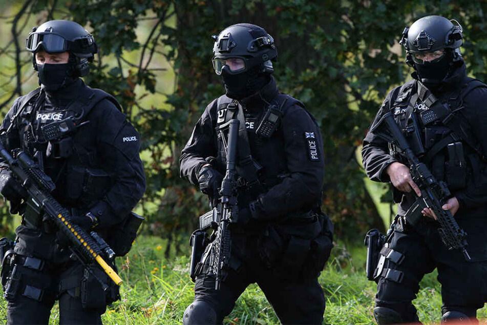 Die Verdächtigen sollen Anschläge in der Region geplant haben. (Symbolbild)