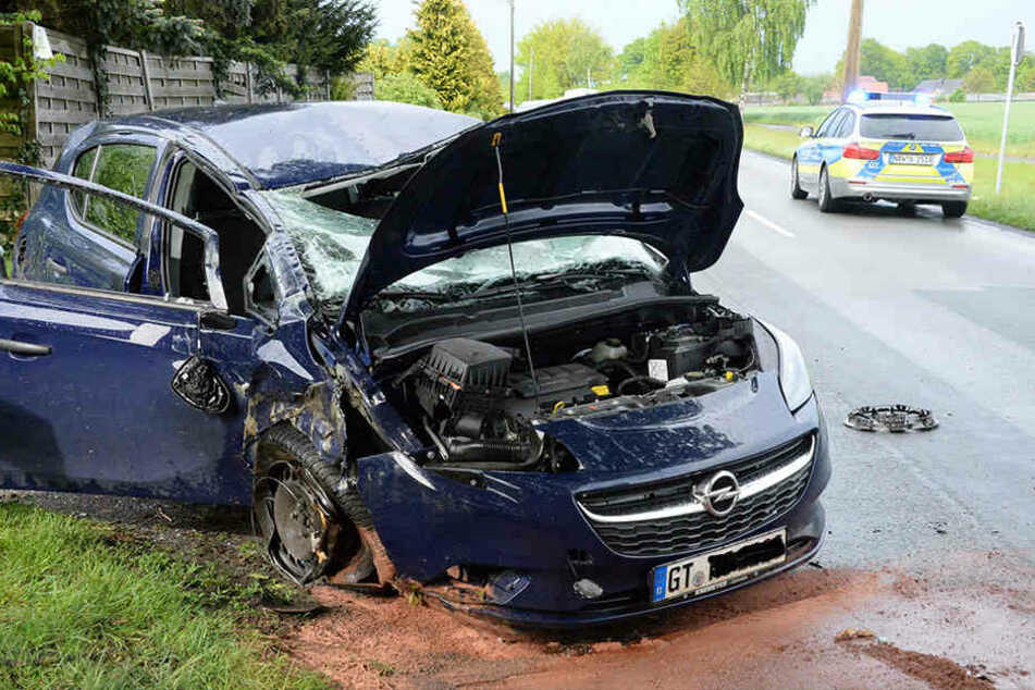 In einer Zufahrt kam der Opel endgültig zum Stehen.