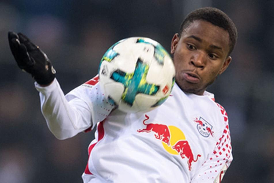 Der Neuzugang (20) machte sich schon bei seinem ersten Einsatz gegen Borussia Mönchengladbach bezahlt.